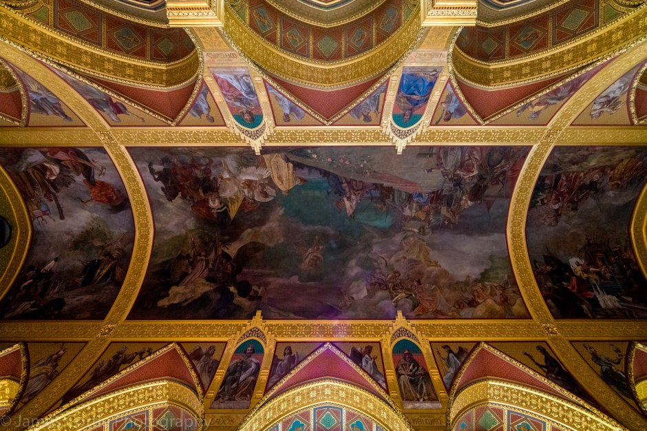 Ceiling Parliament 2200